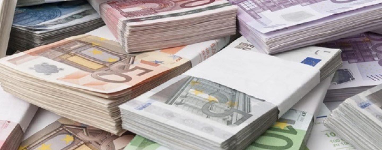 Incredibil, dar adevărat. 4,4 milioane de euro, cel mai mare venit obţinut de o persoană cu profesie liberă, în România, în 2014