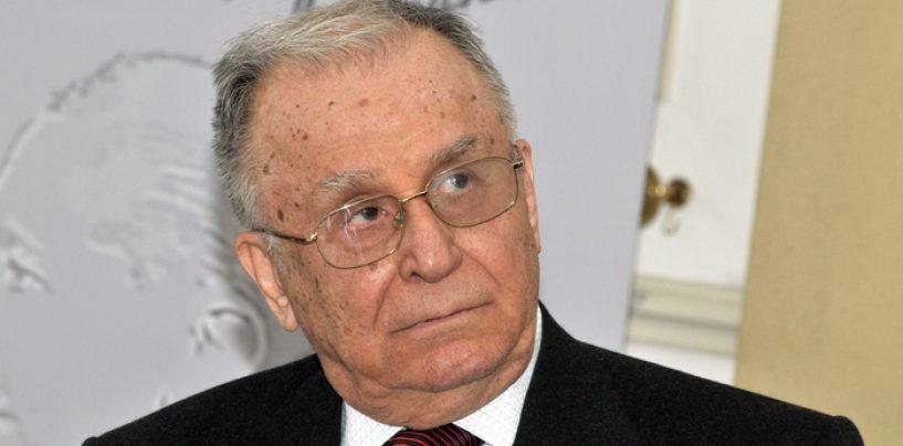 """Iliescu vrea """"concluzii politice"""" nu să """"plângem morţii"""", în dosarele Revoluţiei şi Mineriadelor"""