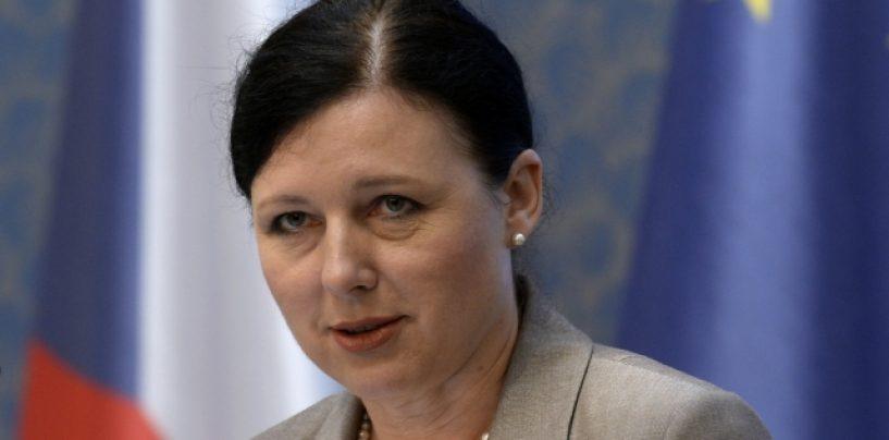 Anul viitor se va decide dacă România va mai fi monitorizată prin MCV, spune comisarul european pentru Justiţie