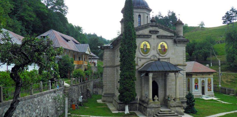 Doi monahi de la Mănăstirea Stânişoara, canonizaţi de Sinodul BOR. Ei vor fi prăznuiţi pe 3 septembrie