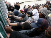 Tensiune maximă la graniţa greco-macedoneană. Sute de imigranţi s-au bătut cu poliţiştii