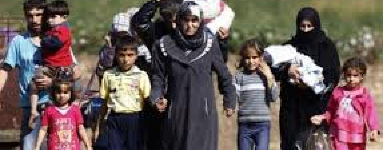 Atenţionare din partea Ankarei. 40.000 de refugiați sunt comasați în Siria, la granița cu Turcia