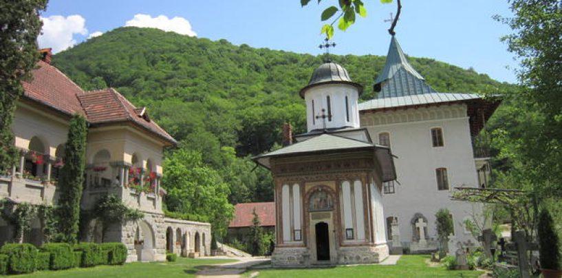 Doi călugări care au vieţuit la Mănăstirea Turnu, canonizaţi de BOR