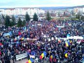 Miting de amploare. Mii de sindicalişti de la Dacia cer urgentarea construcţiei autostrăzii Piteşti-Sibiu
