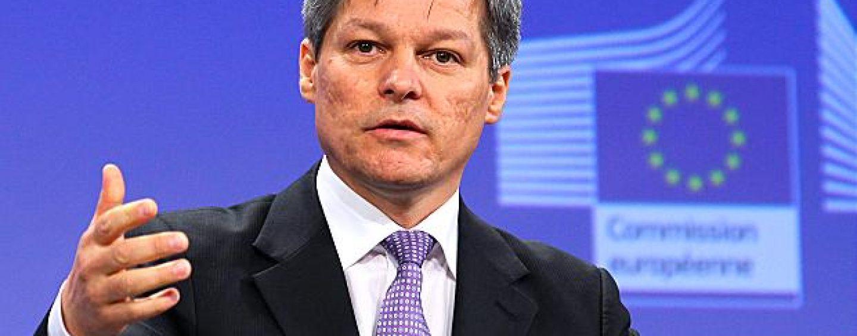 Cioloş răspunde criticilor şi spune că are o atitudine demnă în faţa liderilor europeni