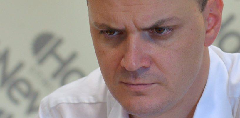 Sebastian Ghita: Klaus Iohannis, in pragul demisiei din cauza sotiei. Raspunsul: o ineptie