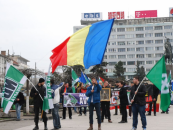 """Marşul """"Avram Iancu"""", transformat în protest anti-Cioloş. Participanţii au cerut demisia şefului Guvernului"""