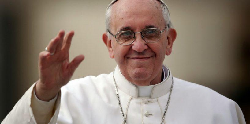 O mai vrea nişte atentate? În Vinerea Mare la catolici, Papa a făcut apel ca Europa să primească în continuare imigranţi