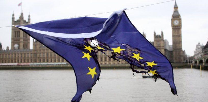 Cei mai mulţi britanici, în favoarea ieşirii ţării lor din UE, relevă un sondaj de opinie