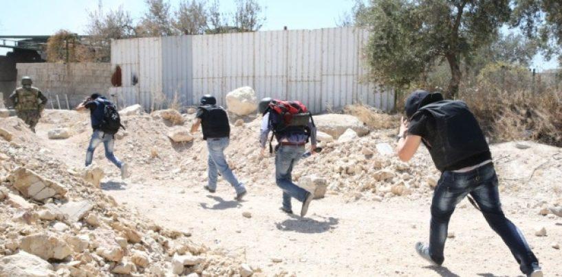 Patru jurnalişti, răniţi la frontiera siriano-turcă de obuze lansate din Turcia, susţine un oficial rus