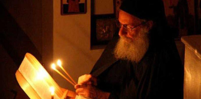 Scrisoare deschisă adresată lui Iohannis de un călugăr: Nu respectaţi credinţa şi valorile acestui neam