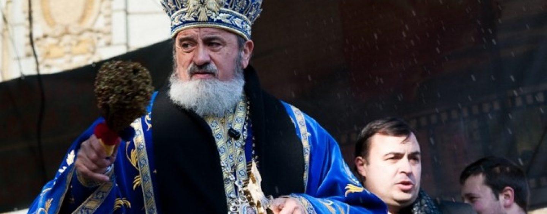 Al cui este pacatul in Saptamana Mare? Mitropolitul Ardealului l-a blestemat pe un ziarist care a scris despre bolidul sau de lux
