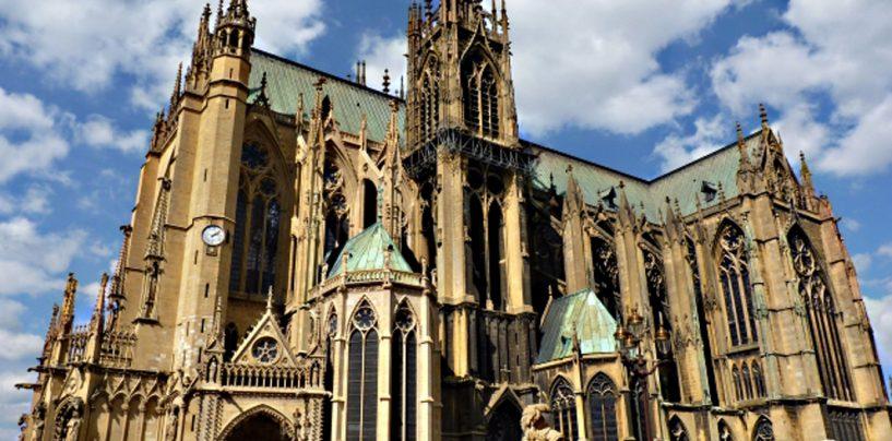 Scandalos. Catedrala din Metz, transformată în discotecă, de Paştele catolic