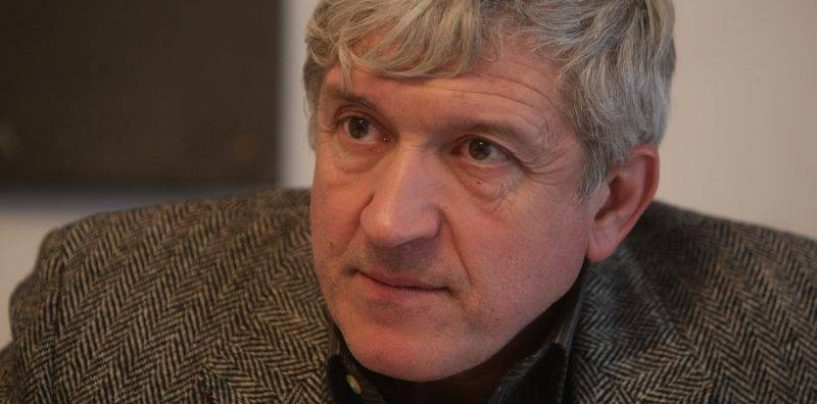 Europarlamentarul Mircea Diaconu, luat la ochi de presa franceza: 13 consilieri personali