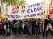 Ăştia şi-o caută cu lumânarea. Manifestanţi pro-refugiaţi au atacat forţele de ordine la graniţa italo-austriacă