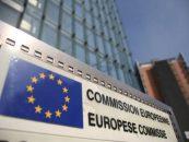 Comisia Europeană vede riscuri la orice sprijin acordat de Guvern românilor. CE critică legea dării în plată