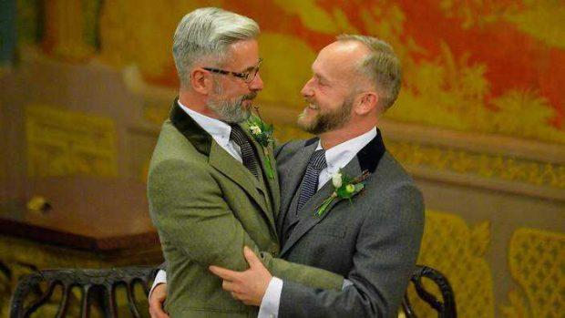 gaymarriage_uk_140329_GettyAFP