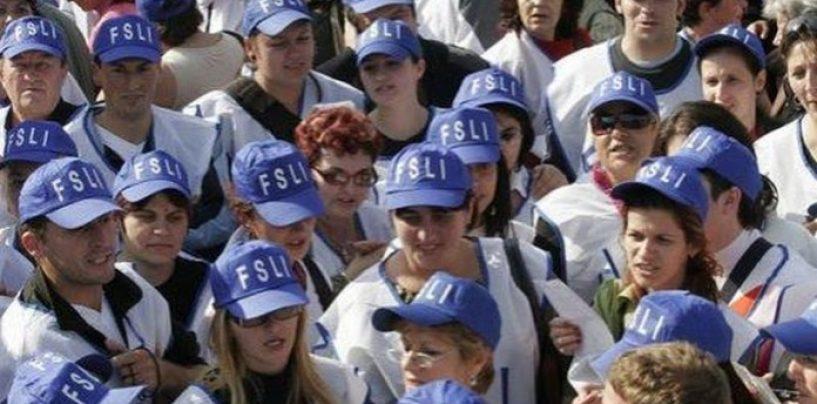 Proteste la uşa lui Iohannis. Sindicaliştii de la BNS pichetează Palatul Cotroceni