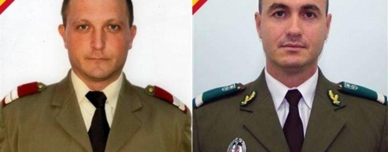 Trupurile celor doi militari români căzuţi în Afganistan au fost aduse în ţară