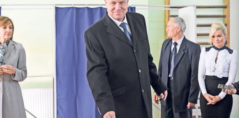 Presedintele Klaus Iohannis a votat abia la 18,30. O fi avut altceva mai bun de facut pana atunci?