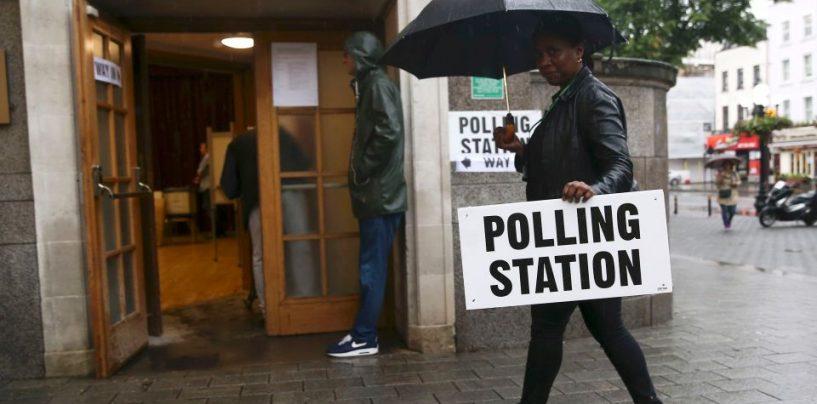 Votul Brexit: S-au deschis sectiile de votare