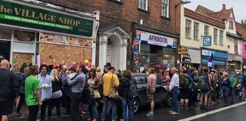 Se poate! Solidaritate britanica pentru imigrantii romani. Miting impotriva xenofobiei