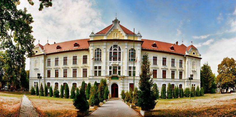 Memoriu pentru salvarea Colegiului Unirea din Târgu Mureș. Cum încearcă biserica catolică maghiară să desfiinteze un liceu de tradiție românească