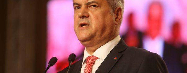 Adrian Nastase: Scaunele alesilor Romaniei, schitate dupa modelul celor din Parlamentul Turciei