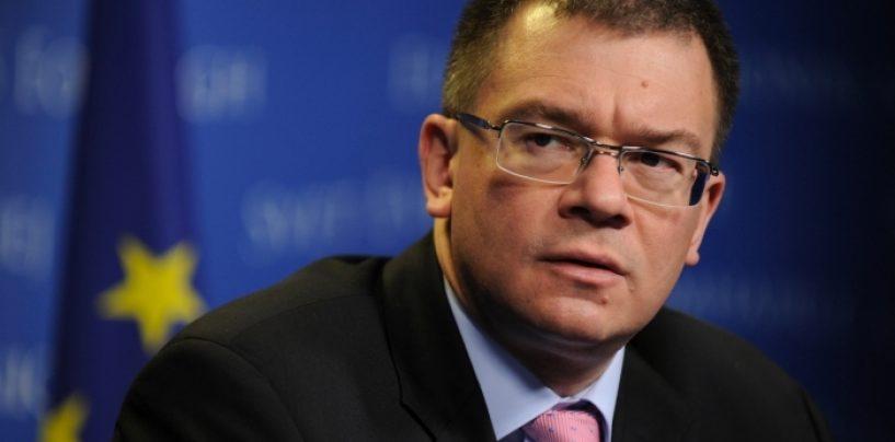 Mihai Razvan Ungureanu si-a dat demisia din SIE. Din motiv de Iohannis?