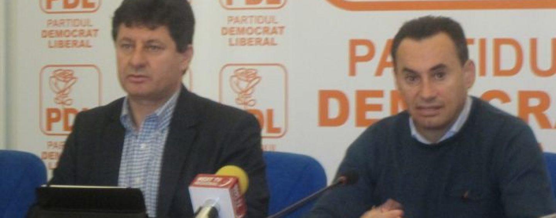 """Ciocoii noi și vechi! Cine este """"dottore"""" Cionca, șeful campaniei electorale a PNL Arad"""