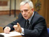 Mugur Isărescu către bancheri: Nu mai fiți aroganți și plini de tupeu în fața clienților