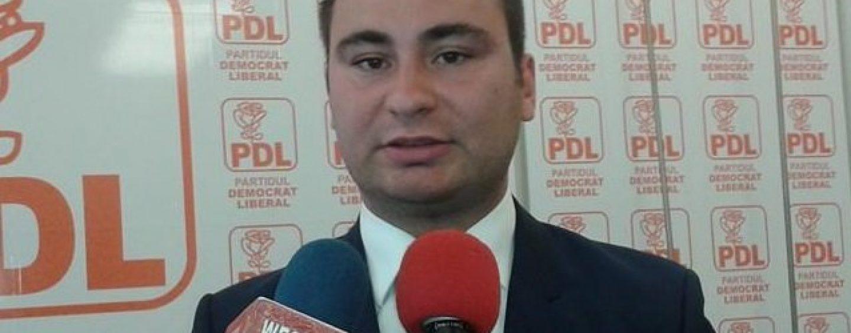 Din candidaturile dubioase ale PNL. Cum sunt recompensați tinerii crescuți în pepiniera lui Falcă