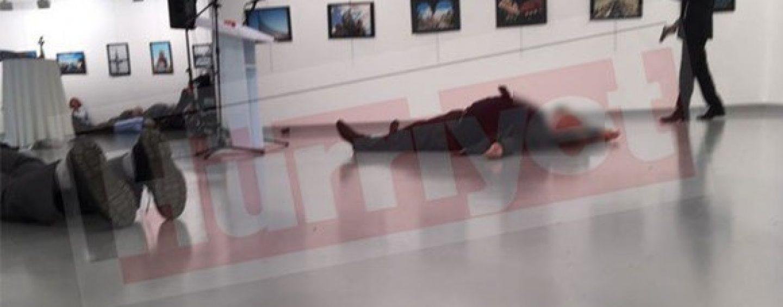 Ambasadorul rus la Ankara a fost împușcat. Este prețul masacrului de la Alep