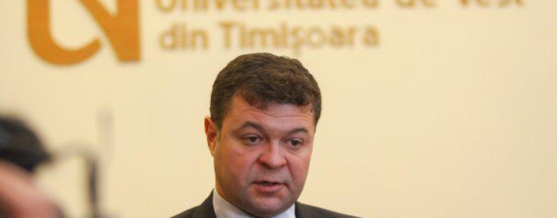 Rectorul universității care anchetează  plagiatul Laurei Kovesi este acuzat de plagiat