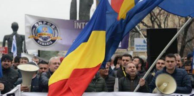 Sindicatele din poliție protestează pentru majorări salariale