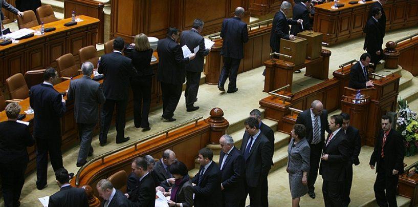 """Premierul Sorin Grindeanu, demis din functia de premier. Motiunea de cenzura a trecut cu 241 de voturi """"pentru"""""""