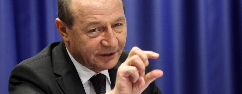 Traian Basescu propune desfiintarea academiei pastorite de Gabriel Oprea