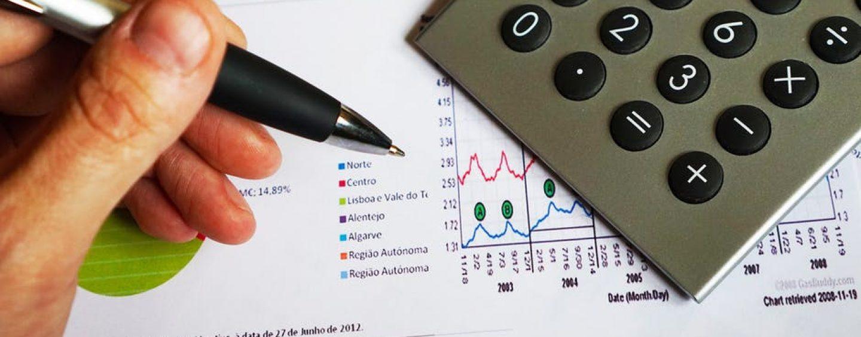 Sfaturi simple pentru a-ți administra banii mai chibzuit
