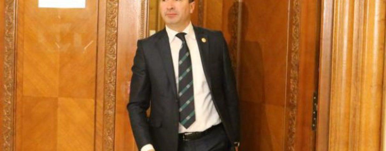 Presedintele CJ Neamt, retinut de procurorii DNA pentru trafic de influenta