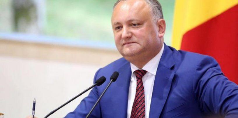 Avertismentul lui Dodon catre Basescu: Unirea inseamna razboil civil in Republica Moldova