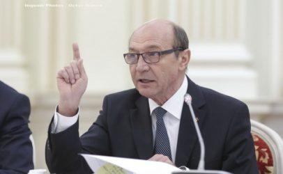 Băsescu către Dragnea: Un neisprăvit din Teleorman face praf și pulbere 60 de ani de diplomație în Orientul Apropiat
