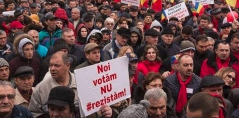 Miting PSD anti-abuzuri ale DNA, în Piata Victoriei