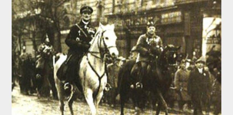 Centenarul Marii Uniri. Răzbunarea ungurilor, 15 septembrie 1940: intrarea dictatorului Horthy în Cluj Napoca, pe un cal alb