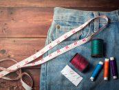 4 trucuri ieftine prin care hainele tale pot capata un aspect original