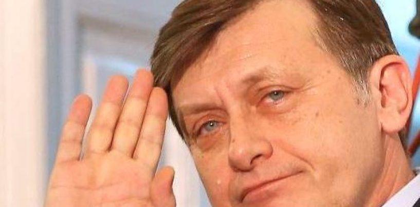 Întoarcerea fiului risipitor! Crin Antonescu, pe lista PNL pentru europarlamentare