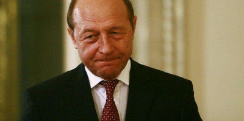 Băsescu revine: Pesta porcină este PSD, un partid dezastruos pentru țară