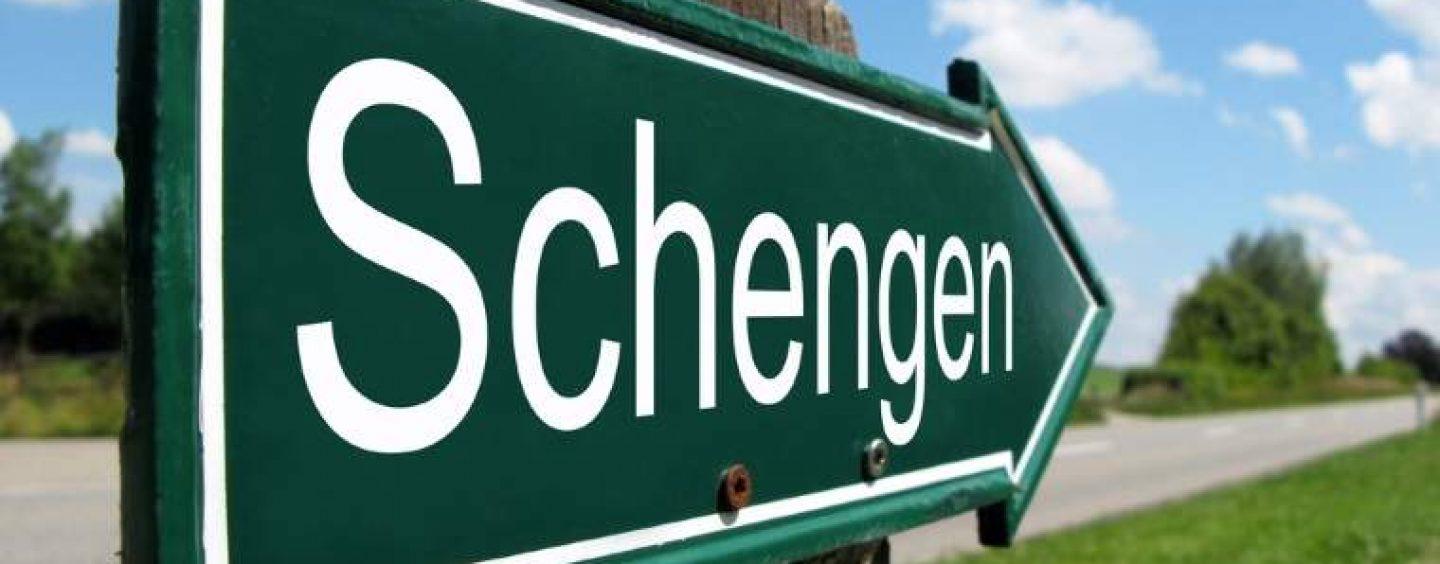 """Bulgaria va intra în spațiul Schengen, la anul. România, la """"sfântul așteaptă"""""""