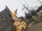 Centenarul în inima Banatului. Tricolorul, la fiecare casă din localitatea Felnac (Arad)