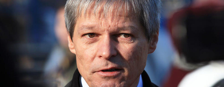 """Nici rezistenții nu-l mai suportă pe Dacian Cioloș. """"Jos labele de pe România !"""""""