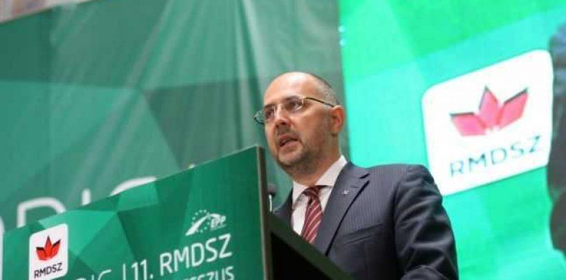O nouă provocare! UDMR a ales steagul Ungariei drept simbol național al maghiarilor din România